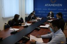 Предприниматель устал ждать возможности арендовать теплые остановки в Павлодаре