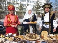 В Павлодаре на Наурыз испекли тонны баурсаков