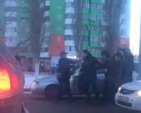 В Павлодаре на глазах горожан задержали начальника отдела дознания Южного ОВД