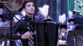 Прославивший Казахстан баянист может остаться без инструмента