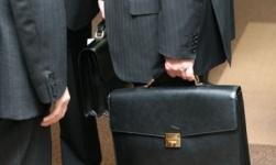 Казахстанцы предлагают запретить политическим госслужащим и их семьям иметь активы за рубежом