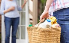В Экибастузе ветеранам и людям с инвалидностью начали бесплатно доставлять продукты на дом
