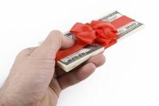 В Павлодарской области штрафуют за подарки госслужащим