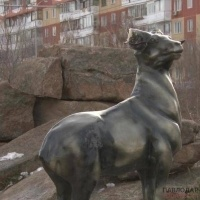 В Павлодаре совершен факт вандализма в сквере по проспекту Тәуелсіздік