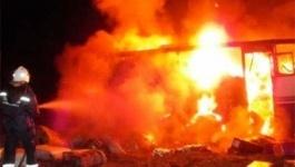 Автобус Volvo сгорел в автомобильном боксе в Павлодаре