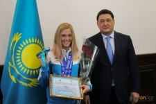 Павлодарской лыжнице Анне Шевченко вручили ключи от квартиры