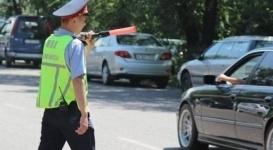 Задним ходом по встречной полосе ездили водители в Алматинской области