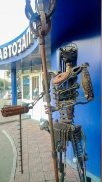 Месяц потратил павлодарец, чтобы создать металлического «Хищника»