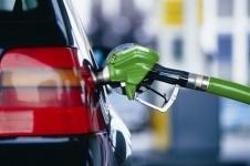 В Казахстане снизились цены на бензин