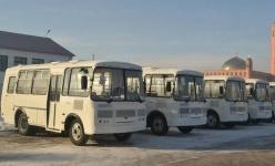 У школьников из отдаленных сел Баянаульского района появились новые автобусы