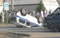 В Павлодаре столкнулись полицейская автомашина и маршрутка
