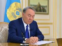 Назарбаев подписал закон по вопросам занятости и миграции населения