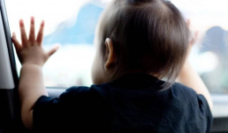 Экибастузским спасателям пришлось освобождать двухлетнего малыша из машины