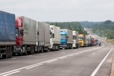 На казахстанско-российской границе возник таможенный коллапс