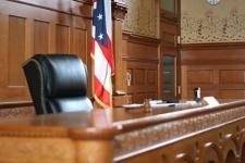 Американский судья оштрафовал сам себя