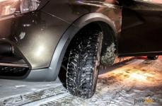 В результате аварии на трассе в Павлодарской области водителя зажало в машине