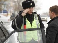 Дорожным полицейским в РК могут разрешить вновь использовать жезлы