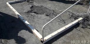 Мальчик, на которого упали ворота, вышел из комы в Павлодарской области
