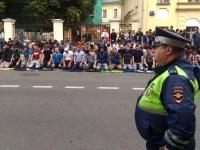 Сотни мусульман протестуют у посольства Мьянмы в Москве