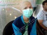 Школьницы из Павлодара передали онкобольным казахстанцам 200 тысяч тенге