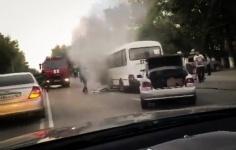 В Павлодаре произошло возгорание микроавтобуса маршрута №111
