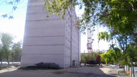 Проблемного подрядчика, недостроившего многоэтажку в микрорайоне Сарыарка, через суд признали недобросовестным