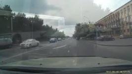 В Павлодаре полиция ищет водителя, который грубо нарушил ПДД