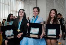 По 100 тысяч тенге вручили одаренным школьникам Павлодарской области
