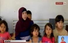 В Атырау живущая в мечети многодетная мать-одиночка может остаться на улице