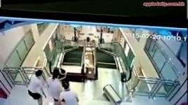 В Китае женщину раздробило эскалатором