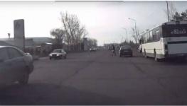 В Павлодаре пешеходы рискуют своей жизнью из-за невидимого дорожного знака