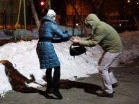 В Павлодаре задержали парня и девушку, подозреваемых в грабежах