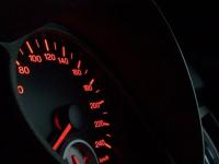Идею снижения скорости до 50 километров в час в городах РК объяснили эксперты