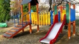 Требования к детским площадкам ужесточат