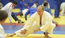 Путин получил звание великого мастера по тхэквондо