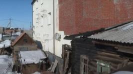 В Павлодаре собственники распиленного пополам дома снова встретятся в суде