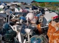 Полмиллиона евро нашли в пылесосе на свалке в Польше