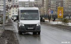 В нескольких направлениях городские маршрутчики готовы возить пенсионеров за полцены