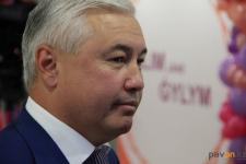 Аким Павлодара поручил отделу образования решить вопрос с обучением павлодарских школьников плаванию