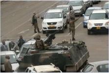 Военные Зимбабве взяли под стражу 93-летнего президента страны