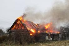 В Прииртышье в праздничные дни сгорело 14 дачных домиков