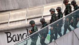 В популярных туристических зонах Таиланда отменили комендантский час