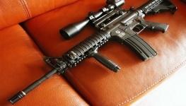 В Карагандинской области 10-летний ребенок выстрелил в сестру из винтовки