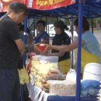 Свыше 20 тонн продовольствия привезли на сельхозярмарку в Павлодар
