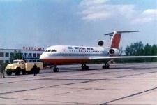 Для безопасности полета самолетов сельского акима из Павлодарской области заставили избавиться от мусора и птиц