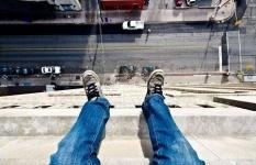 Выяснились неожиданные подробности падения парня и девушки с 9 этажа в Павлодаре