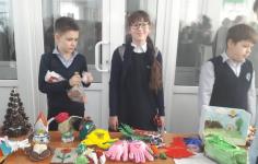 Ученики павлодарской школы организовали благотворительную ярмарку, чтобы купить ребенку слуховой аппарат