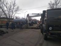 В Павлодаре начали ремонтные работы по устранению дорожного провала на улице Камзина
