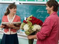 О запрете на подарки учителям напомнили в МОН РК