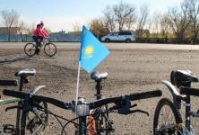 В Павлодаре велосипедисты получают штрафы за нарушение правил дорожного движения